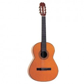 Klassisk gitarr Admira Rosario